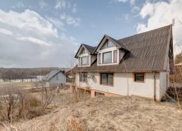 dom mieszkalny nad jeziorem sprzedam